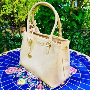 💝 DKNY large saffiano leather bag